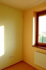 Malování obývacího pokoje v domku u Prahy 1