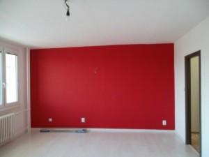Malování obývacího pokoje v panelovém době Praha 004